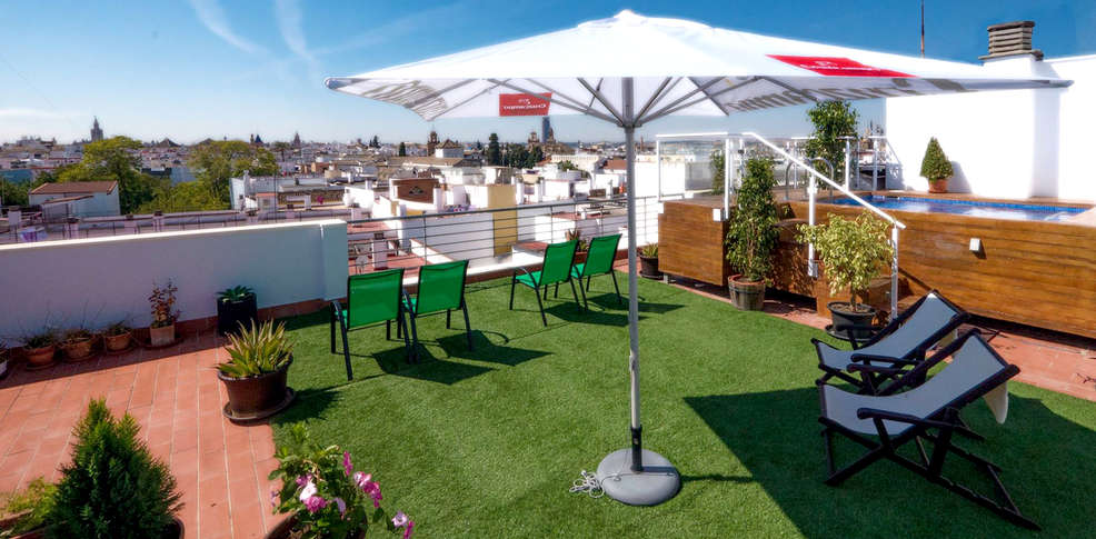 Hotel plaza santa luc a 3 s ville espagne for Reservation hotel en espagne gratuit