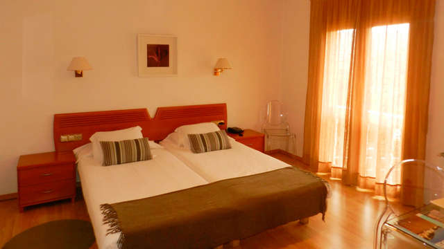 Enamórate y relájate en este hotel con cena y detalles románticos