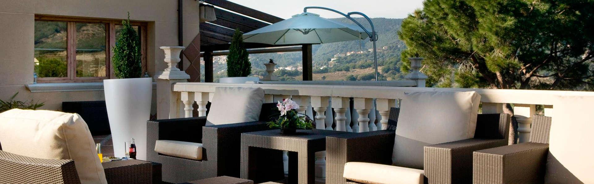 Hotel Porta d'Alella - EDIT_terrace.jpg