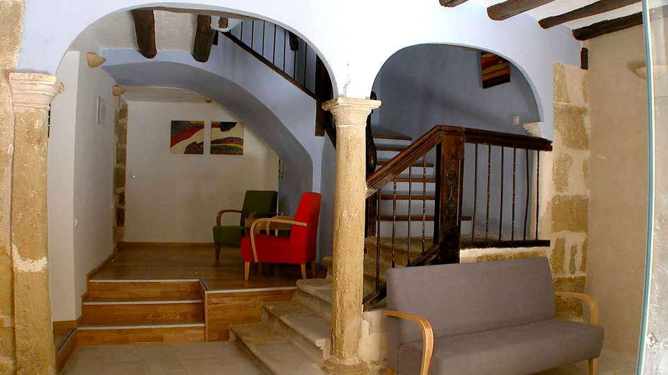 Hotel Portal del Matarraña - Edit_Hall.jpg