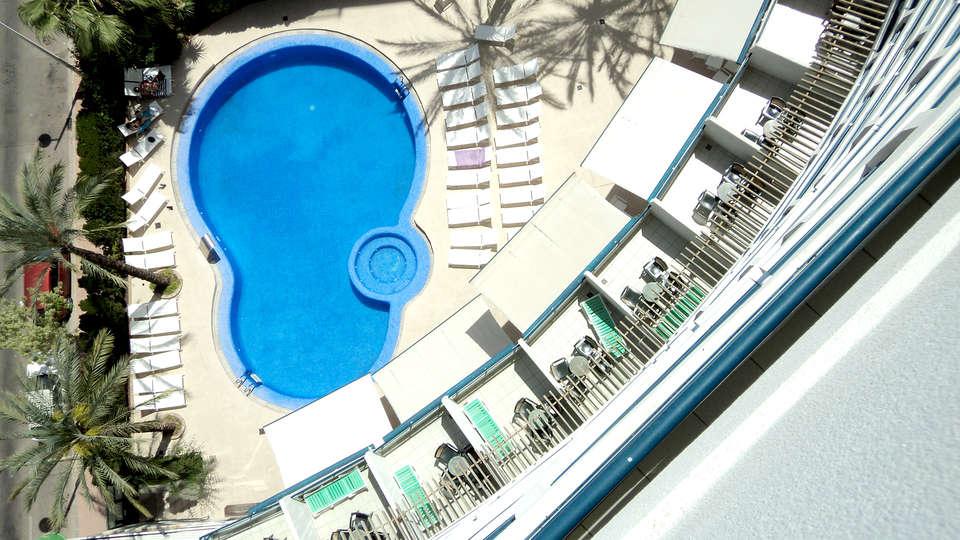 Hotel Principal - Edit_Pool2.jpg