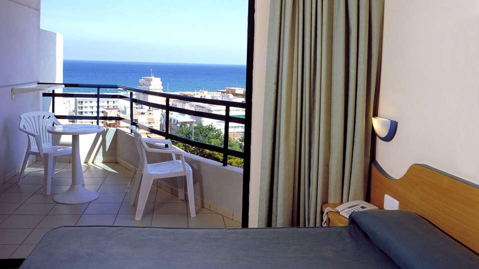 Hotel Principal - Edit_Room5.jpg
