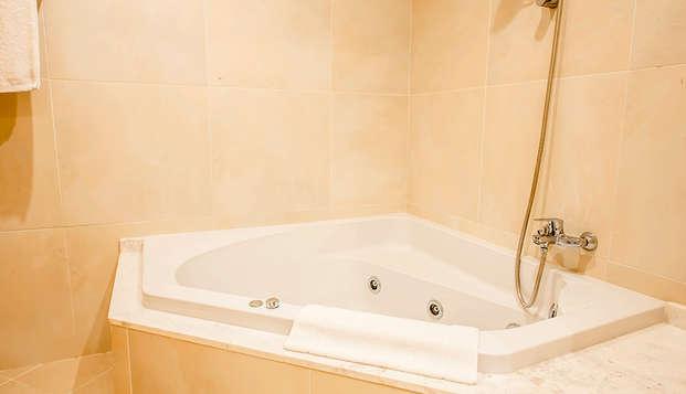 Hotel President - bath