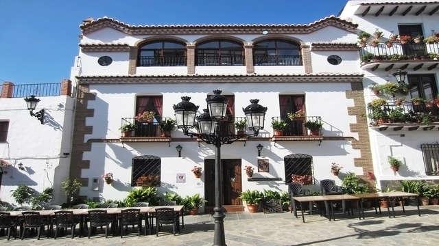 Ruta del sol y del vino en Málaga: escápate muy cerca de Cómpeta en entorno rural