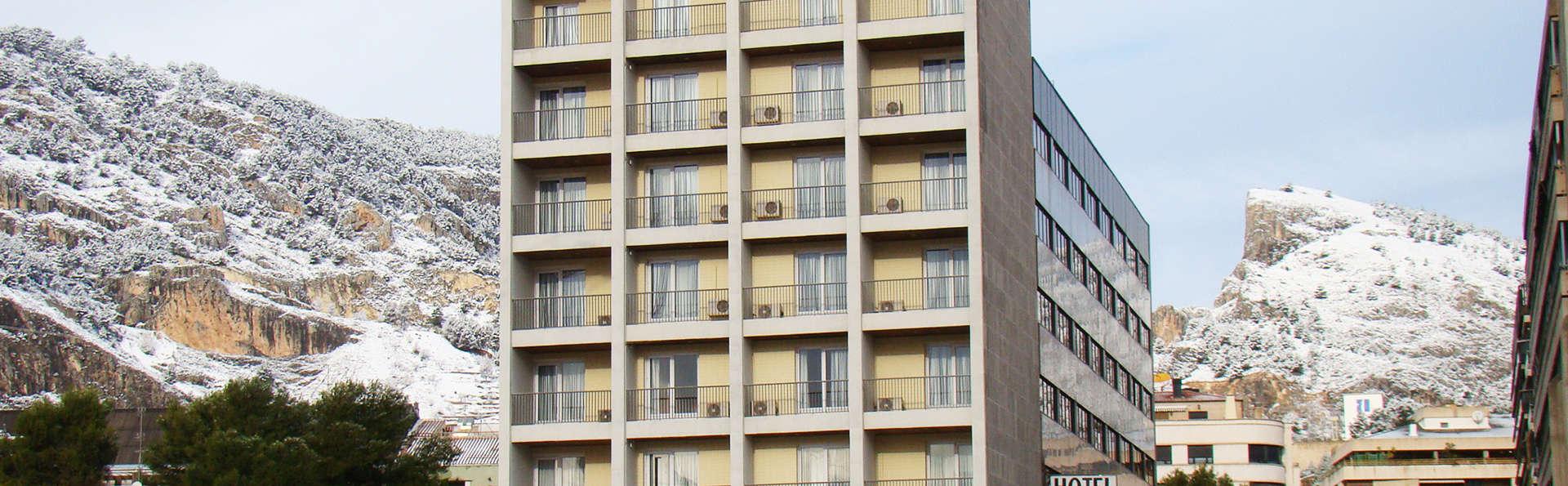Hotel Reconquista - EDIT_front.jpg