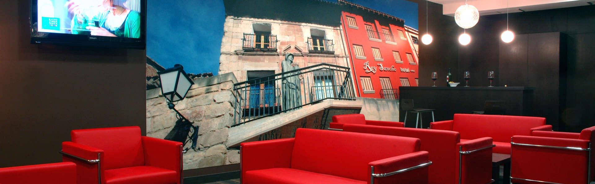 Hotel Rey Sancho - EDIT_lobby1.jpg