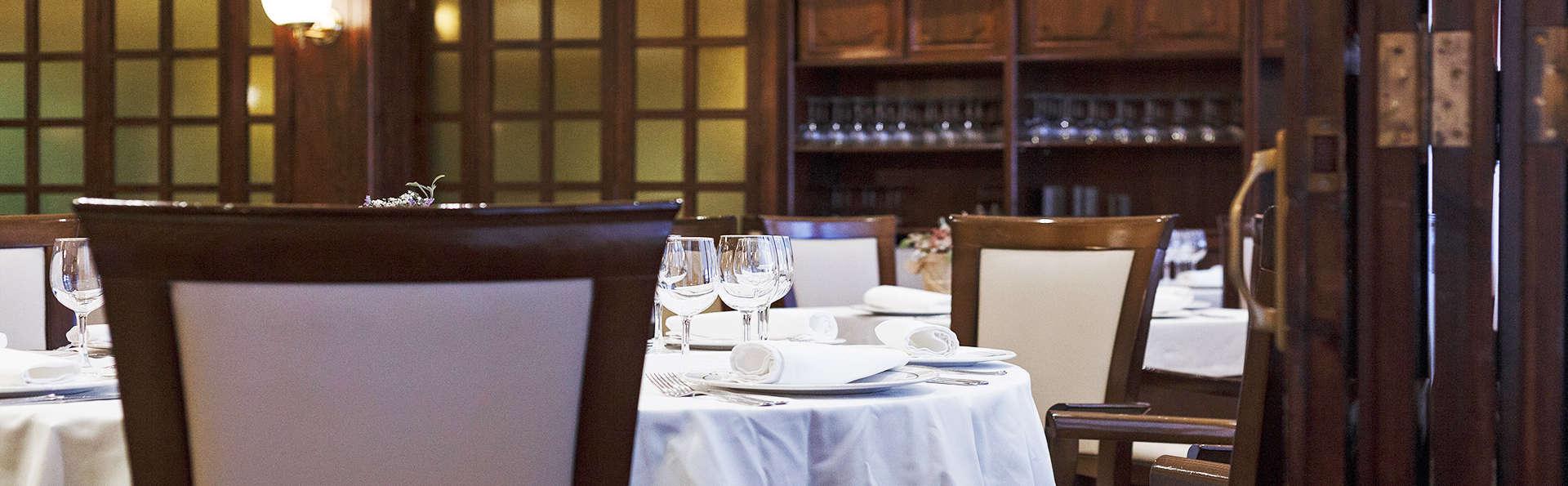 Hotel Restaurante Emilio - EDIT_5_RESTAURANTE.jpg
