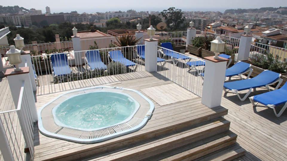 Hotel Ridomar - edit_jacuzzi.jpg
