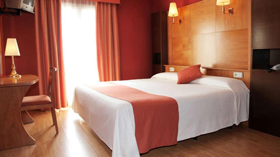Hotel Ridomar - edit_room3.jpg