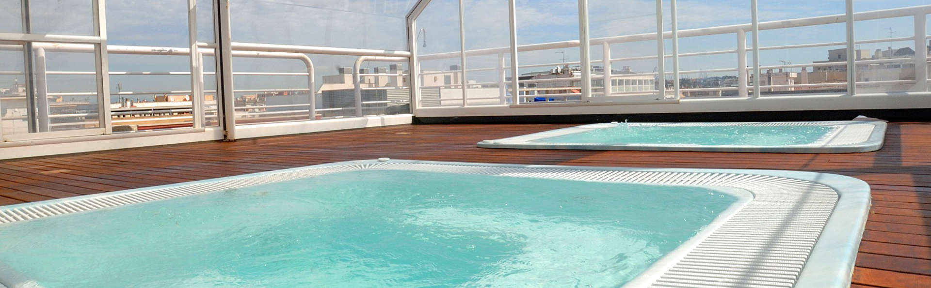 Hotel Evenia President - edit_jacuzzi_pool.jpg