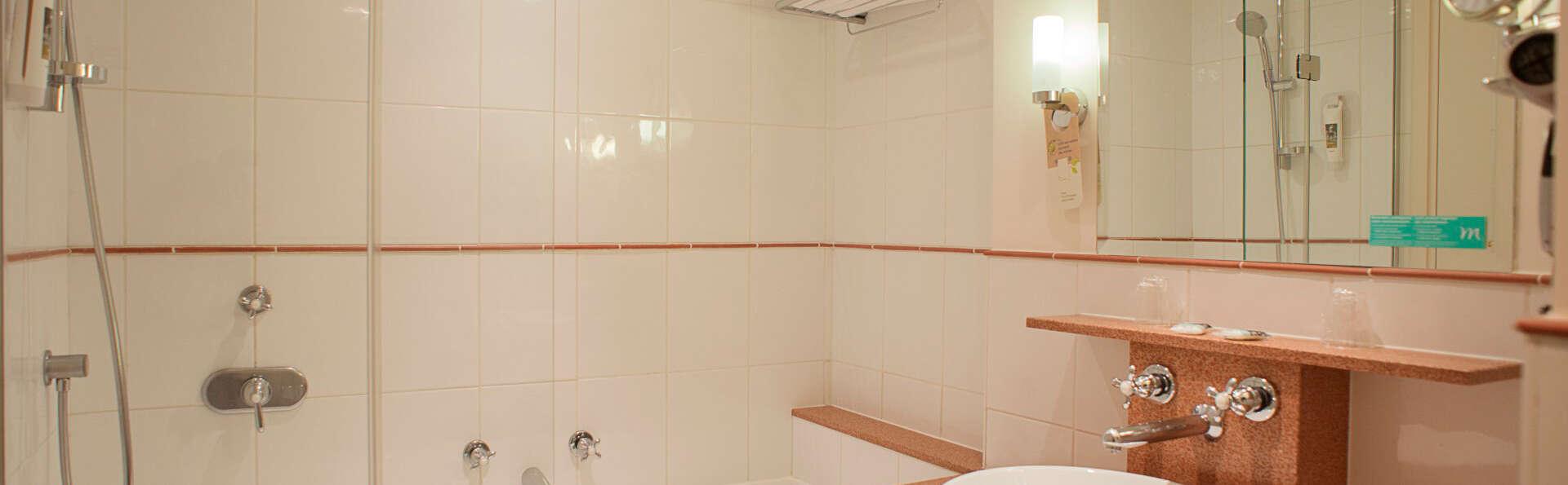 Mercure Grand Lille - EDIT_bath.jpg
