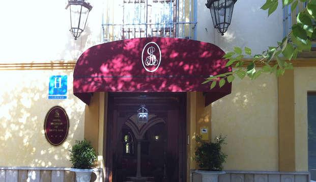 Hotel Sacristia de Santa Ana - Front