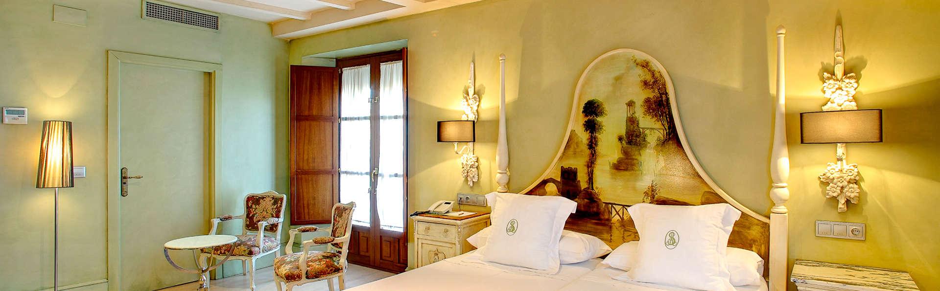 Hotel Sacristía de Santa Ana - Edit_Room4.jpg