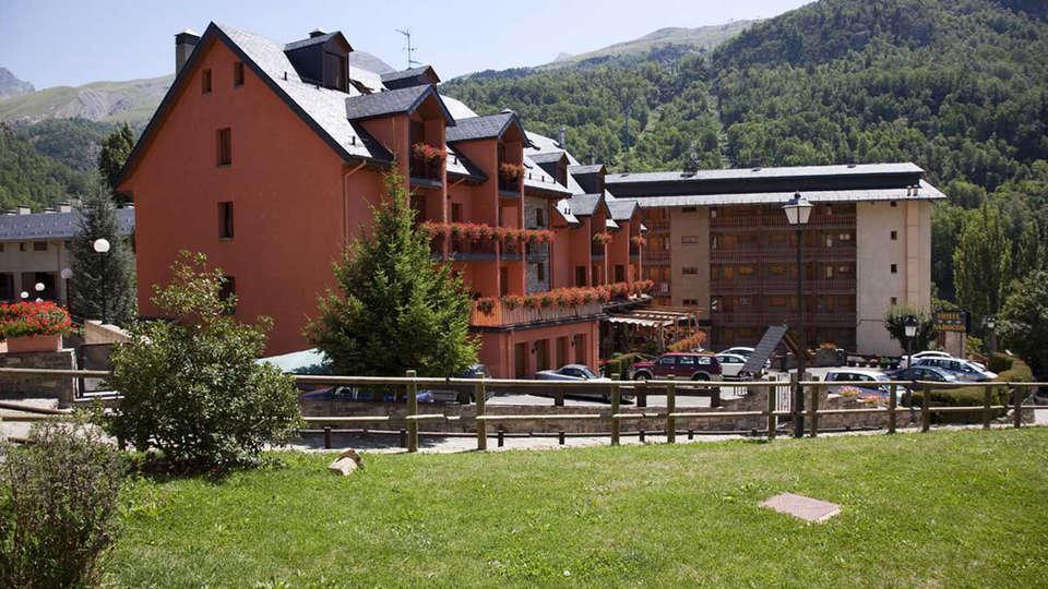 Hotel Sabocos - EDIT_front3.jpg