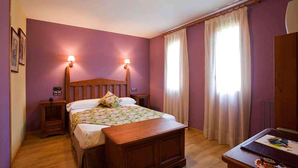 Hotel Sabocos - EDIT_room.jpg