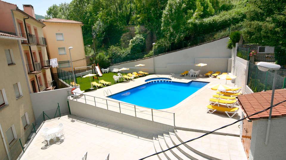 Hotel Sant Antoni - EDIT_pool.jpg