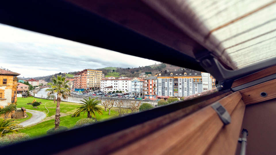 Hotel Santa Cruz - EDIT_view1.jpg