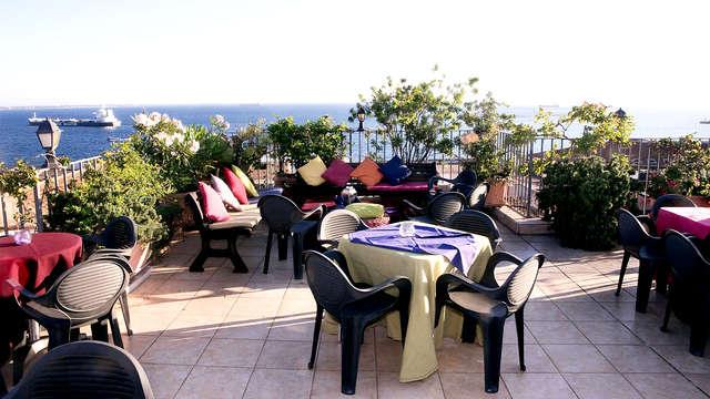 Vacanza a Taranto: soggiorno nel centro città con terrazza panoramica