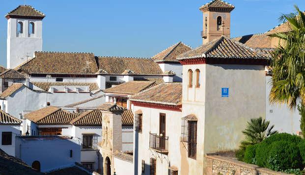 Alójate en el Albaicín en un hotel emblématico: el barrio más pintoresco de Europa