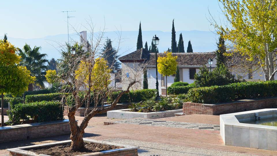 Hotel Santa Isabel La Real - EDIT_exterior.jpg