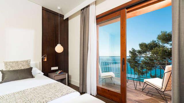 1 noche en habitación doble privilège vista al mar para 2 adultos