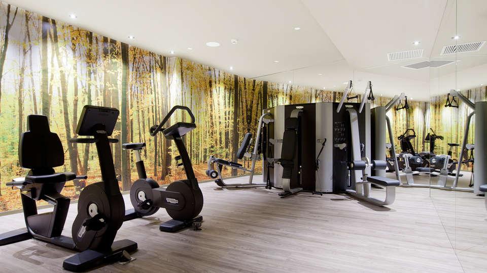 Hotel SB Plaza Europa - EDIT_gym.jpg