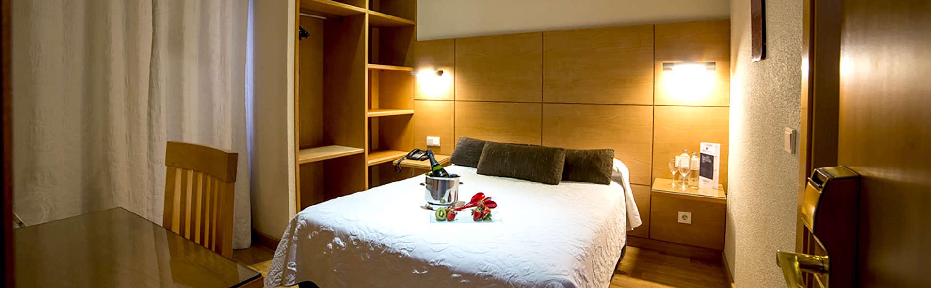 Hotel Serrano - Edit_Room7.jpg