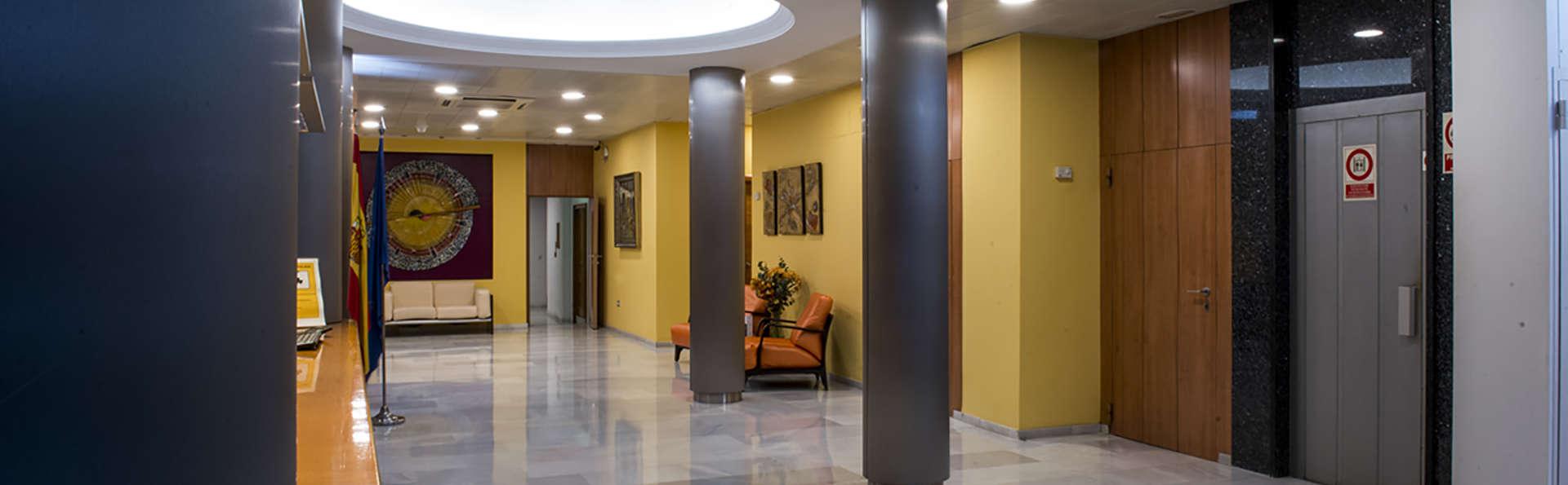 Hotel Serrano - Edit_Reception.jpg