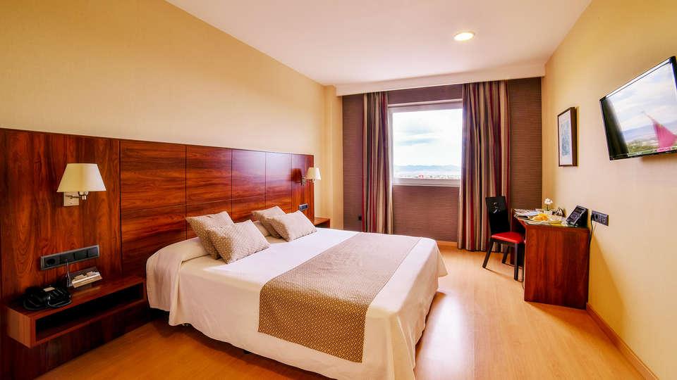 Hotel Sercotel  Riscal - EDIT_room9.jpg