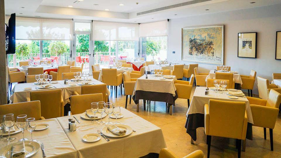 Hotel Sercotel  Riscal - EDIT_restaurant.jpg