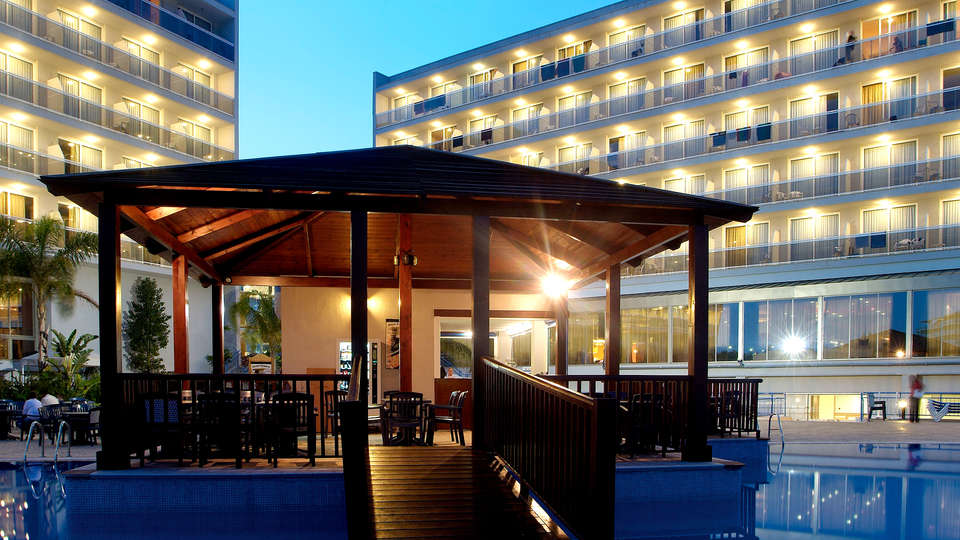Hotel Sol Costa Daurada - Edit_Pool.jpg