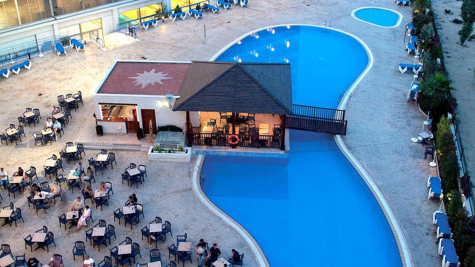 Hotel Sol Costa Daurada - Edit_Pool2.jpg