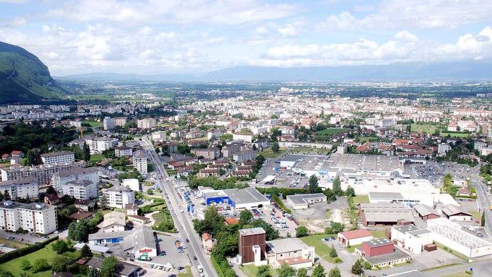 Comfort Suites Porte de Genève - Edit_Annemasse.jpg