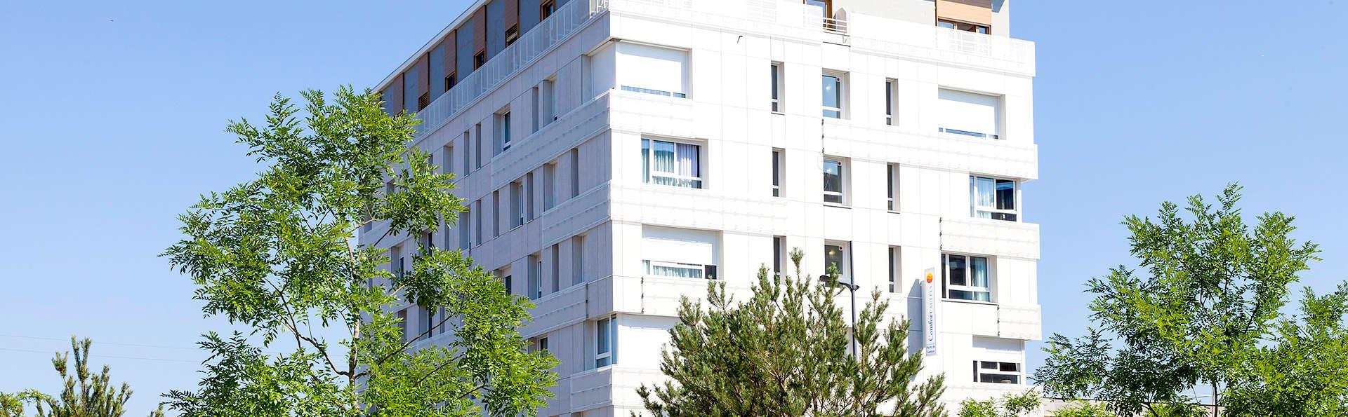 Comfort Suites Porte de Genève - Edit_Front.jpg