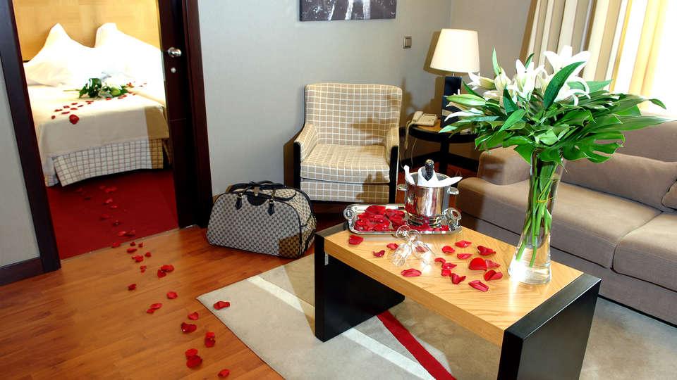 Hotel Sercotel Princesa de Éboli - EDIT_room1.jpg