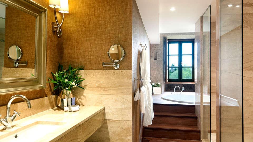 Hotel Spa Relais & Chateaux A Quinta da Auga  - EDIT_NEW_BATHROOM.jpg