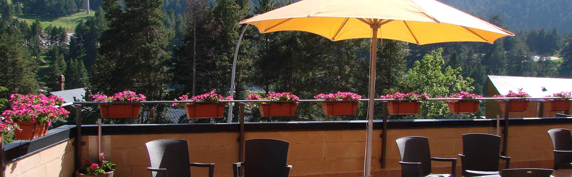 Hotel Solineu - EDIT_terrace.jpg