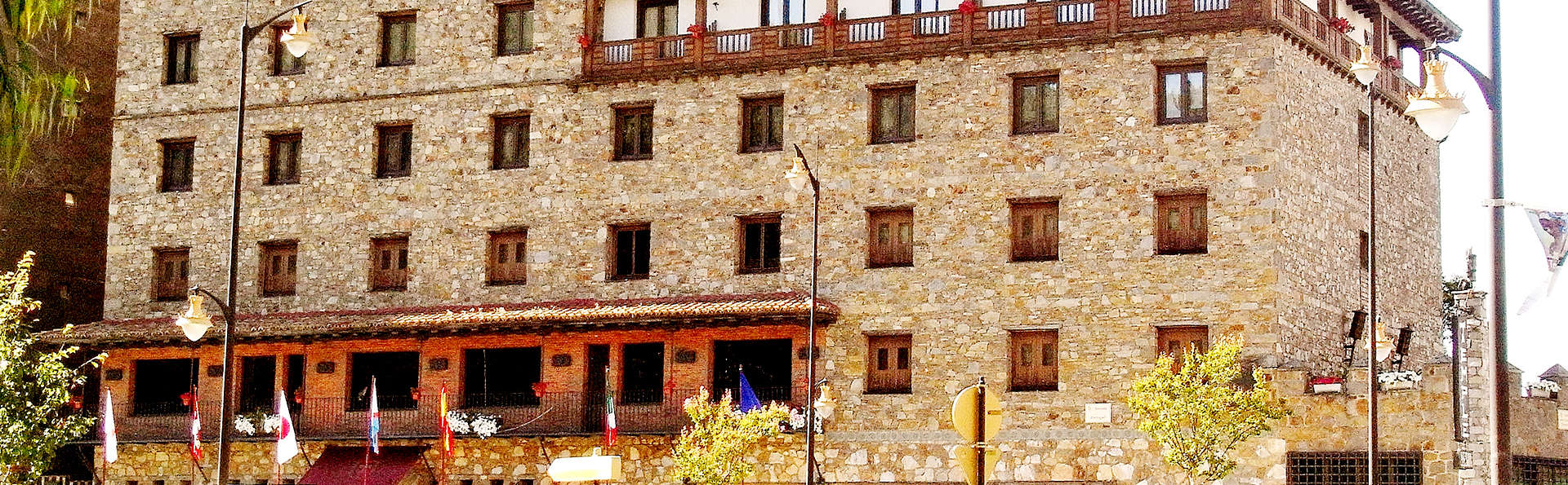 Hotel Temple Ponferrada - Edit_Front2.jpg