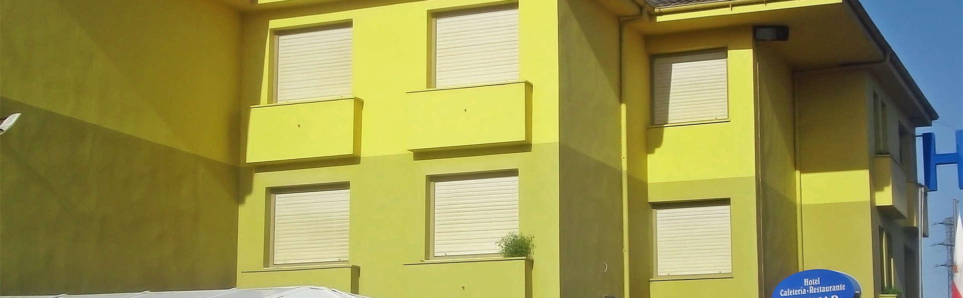 Hotel Solymar - EDIT_FACHADA_1.jpg