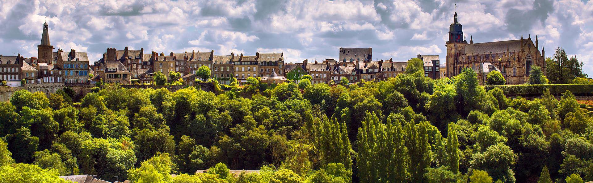 Hotel The Originals Château du Bois Guy (ex Relais du Silence) - Edit_Fougeres.jpg