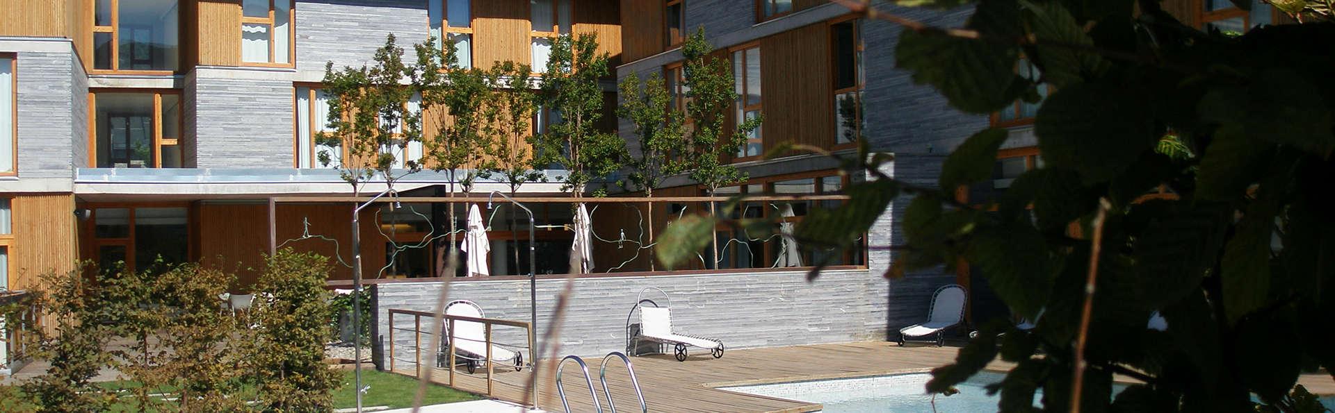 Hotel Tierra de Biescas - EDIT_pool2.jpg