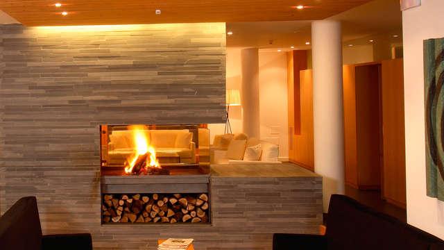 Minivacaciones relax con acceso al spa, cena y niño gratis en el Pirineo de Huesca (desde 2 noches)