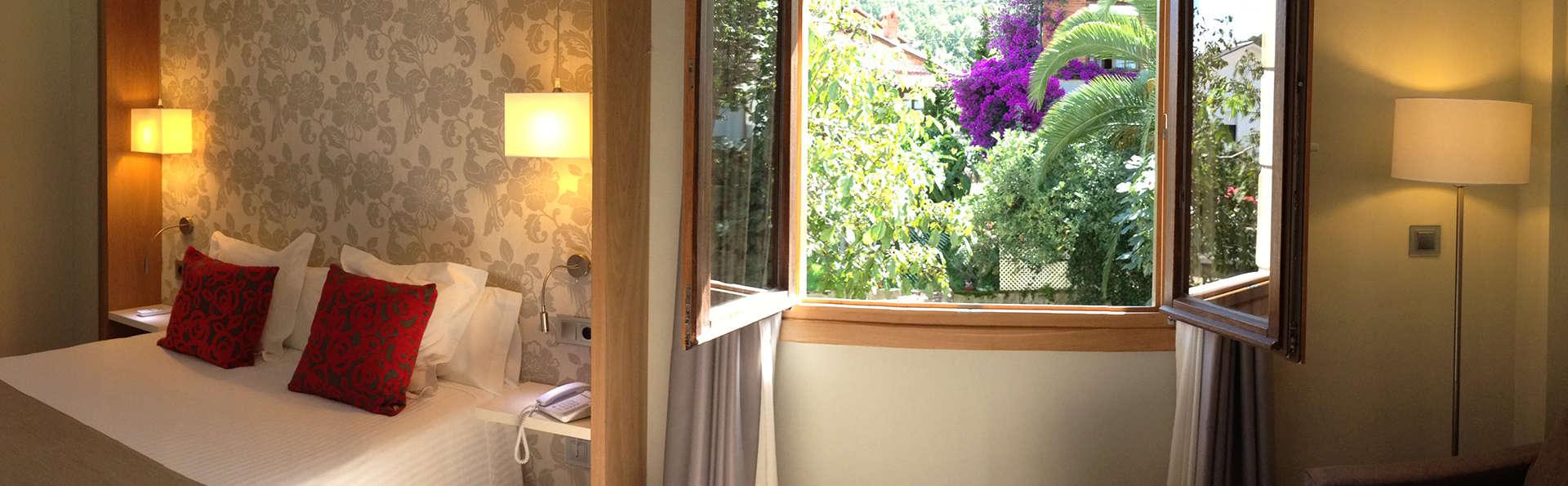 Hotel Tinas de Pechón - EDIT_room5.jpg