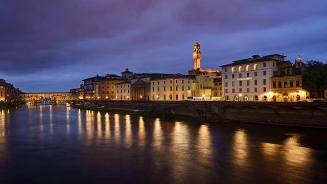 Aan de oever van de Arno in het hart van Florence