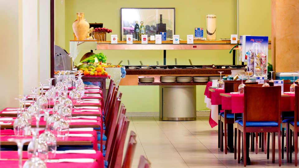 Hotel Traíña - EDIT_restaurant.jpg