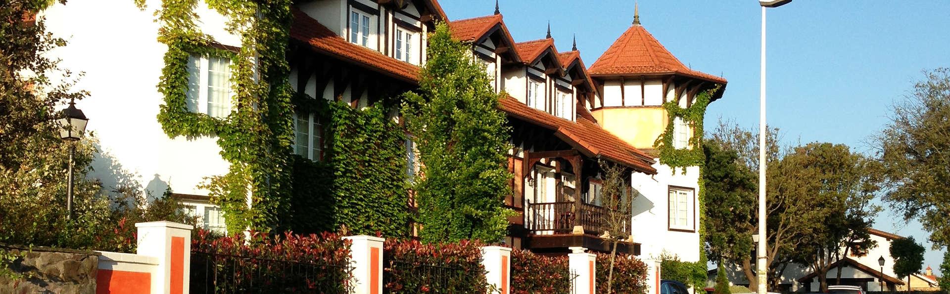 Hotel Torres de Somo - EDIT_exterior1.jpg