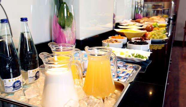 Hotel Tryp Valencia Feria - Breakfast