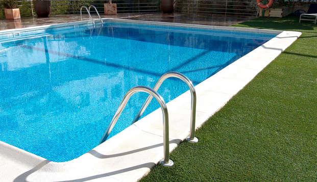 Hotel Tryp Valencia Feria - Pool