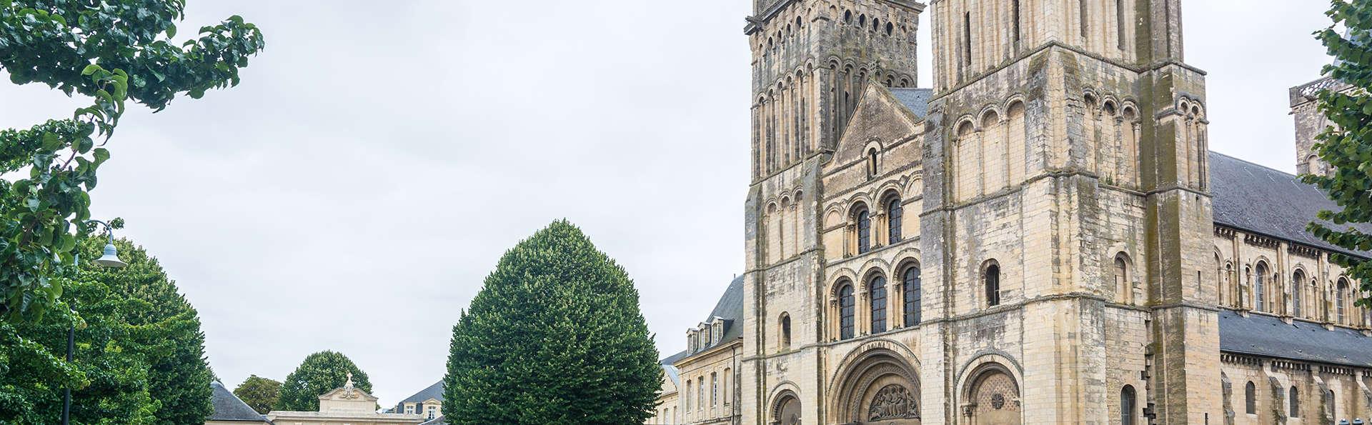 Balladins Caen Mémorial - Edit_Caen.jpg