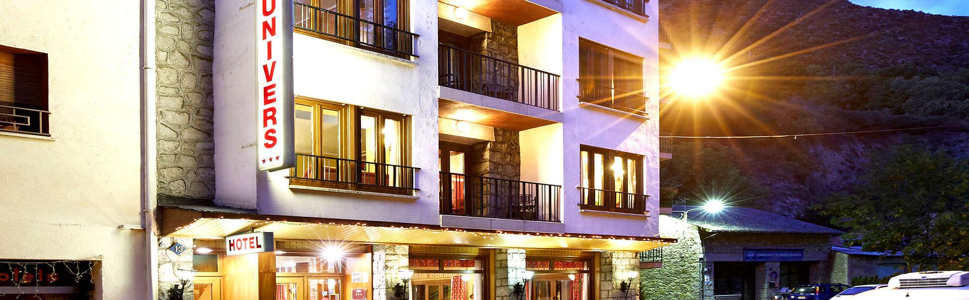 Hotel Univers - Edit_Front2.jpg